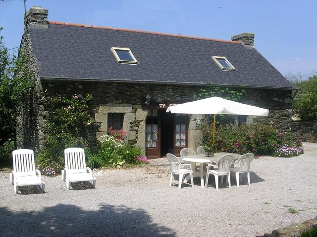 Holiday rental Finistère, rent of a holiday cottage(shelter) 5 persons Kervella